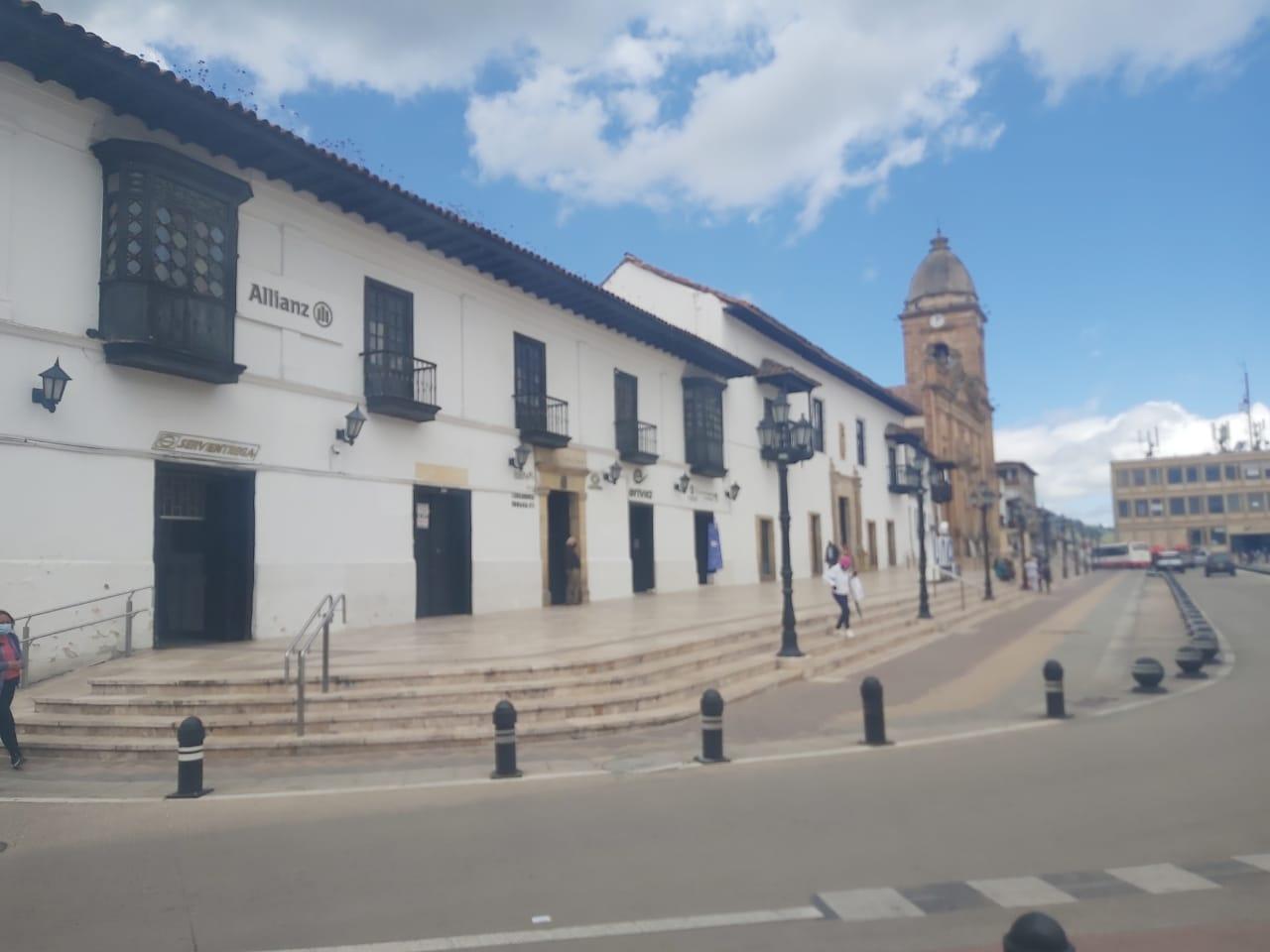 EXCELENTE LOCAL – CENTRO DE LA CIUDAD DE TUNJA
